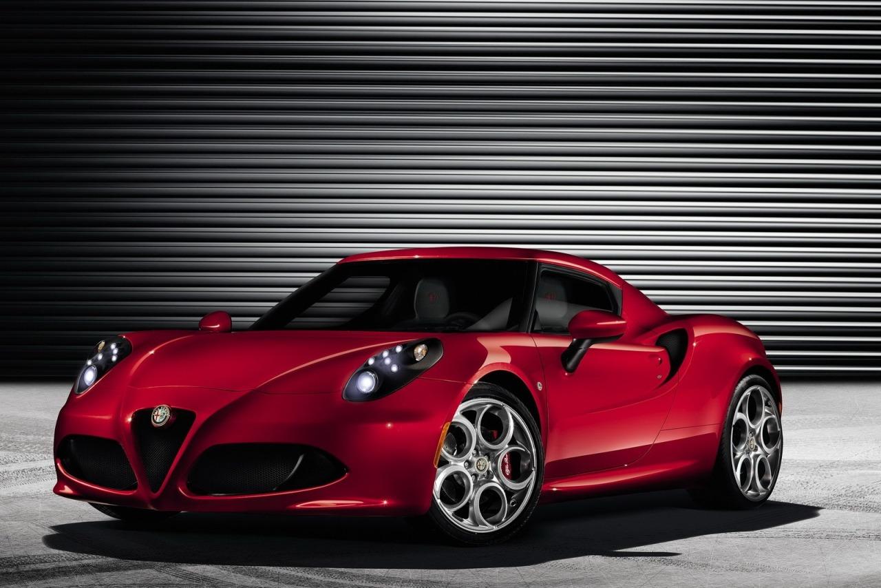 Дилеры Fiat будут продавать Alfa Romeo 4C