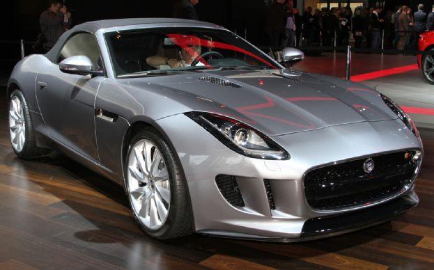 В автосалоне в Лос-Анджелесе был представлен Jaguar F-типа