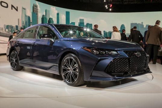Новый кузов Toyota Avalon комплектации, цена и фото