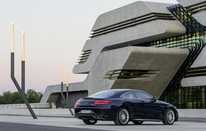 Mercedes S-Class поедет в сервис