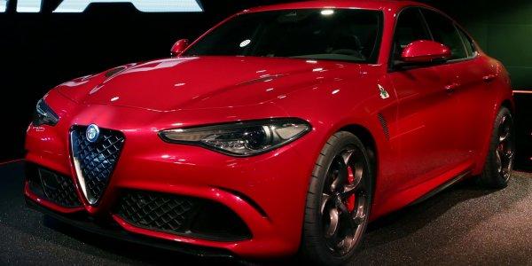 Alfa Romeo Giulia будет комплектаваться двигателем на 276 лошадиных сил