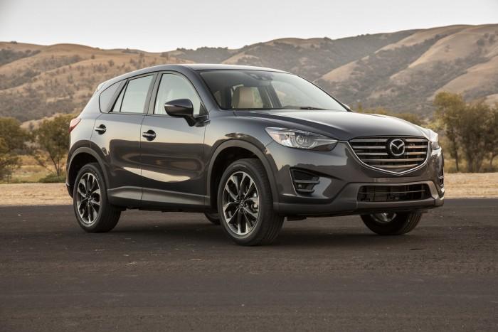 Mazda тестирует обновленный кроссовер Koeru