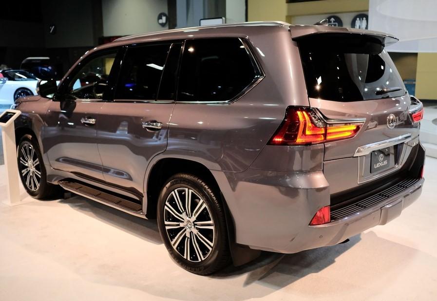 Изменения в новом кузове Лексус ЛХ 570 в 2019 году фото